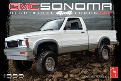 AMT 1993 GMC Sonoma 4x4 1:20 Scale Model Kit